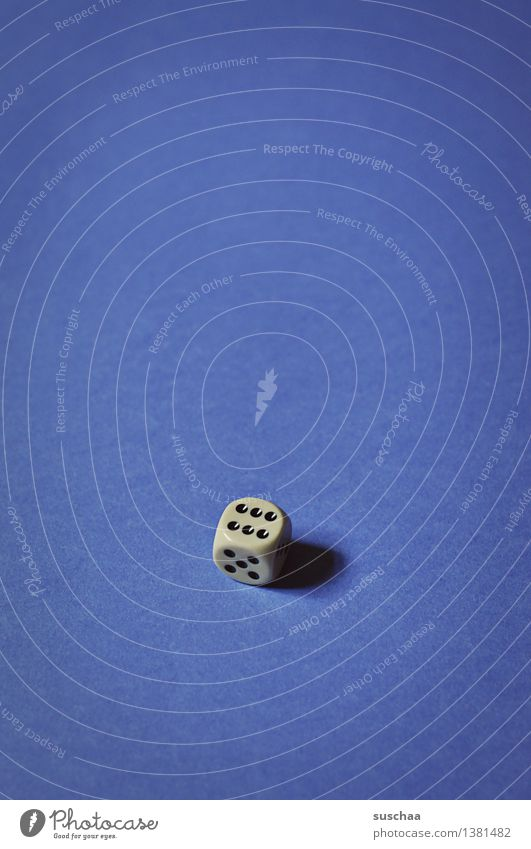 6 Dice Playing Crap game Compulsive gambling Point Blue