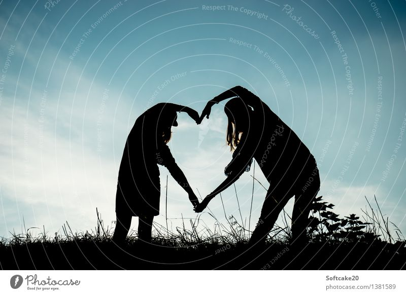 Big Heart Human being Feminine Girl Young woman Youth (Young adults) Woman Adults Brothers and sisters Sister Family & Relations Friendship 8 - 13 years Child