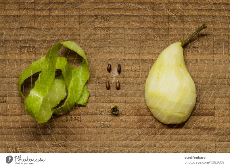 Individual parts of a pear arranged on a wooden board Food Fruit Pear Nutrition Vegetarian diet Diet Healthy Handicraft Home improvement Plant Build Make Simple