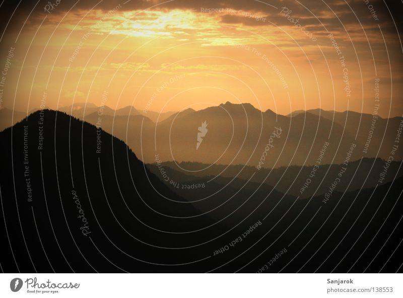 Sky Sun Joy Calm Clouds Mountain Dream Lighting Fog Horizon Tall Peace Heavenly Remote Siesta Mountain range