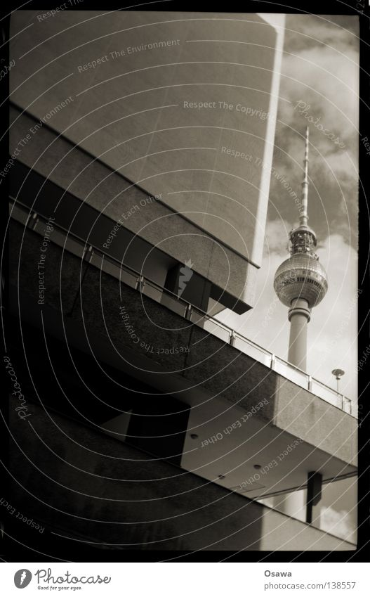 Sky House (Residential Structure) Clouds Berlin Wall (building) Building Concrete Tower Analog Middle Monument Balcony Manmade structures Landmark Berlin TV Tower