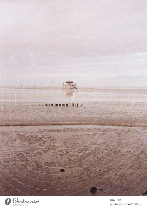 Water Ocean Far-off places Watercraft Ferry Sewer Low tide Ameland