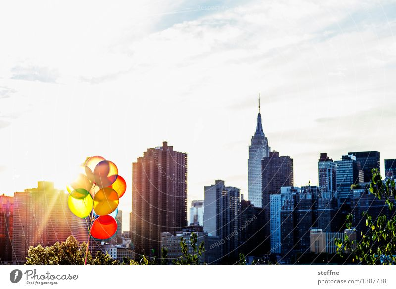 City Warmth Autumn Moody High-rise Birthday Romance Beautiful weather Balloon USA Skyline Landmark Manhattan New York City Party mood Whim