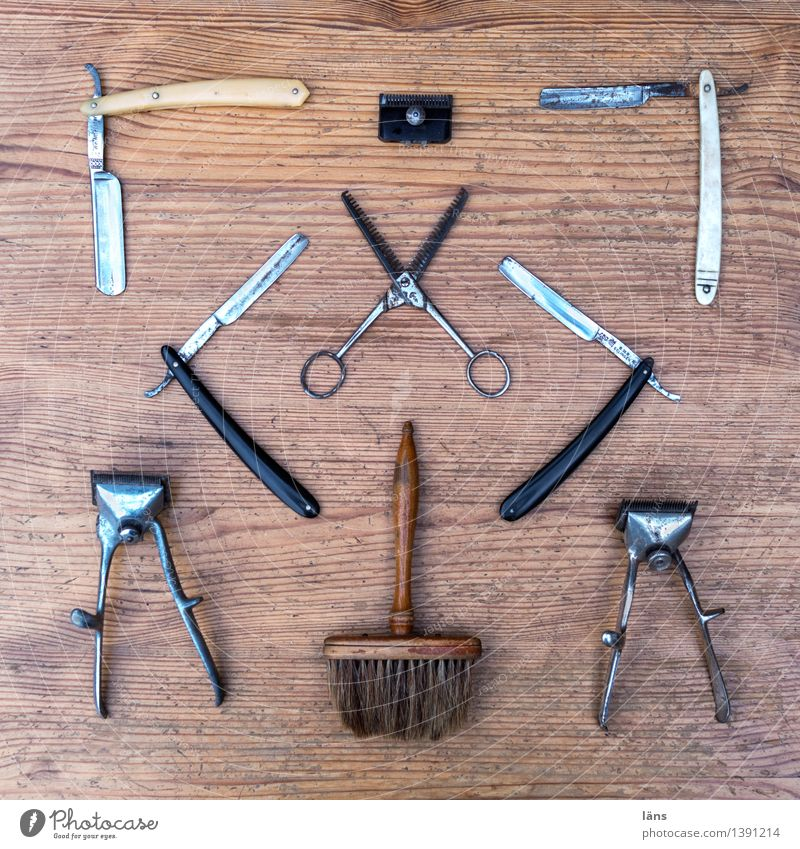 cut Knives Hair and hairstyles Skin Hairdresser Craft (trade) Scissors Brush Razor blade Collection Beginning Personal hygiene Tabletop Old Deserted