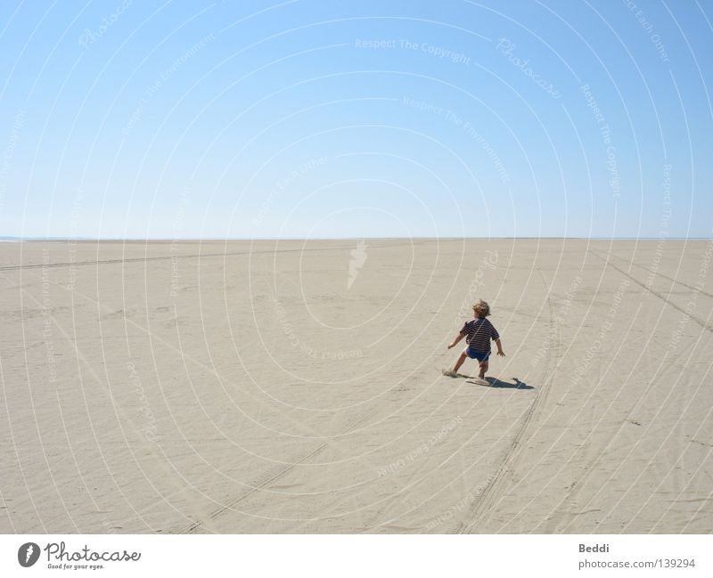 Child Sky Ocean Summer Beach Loneliness Far-off places Freedom Sand Horizon Desert Rømø