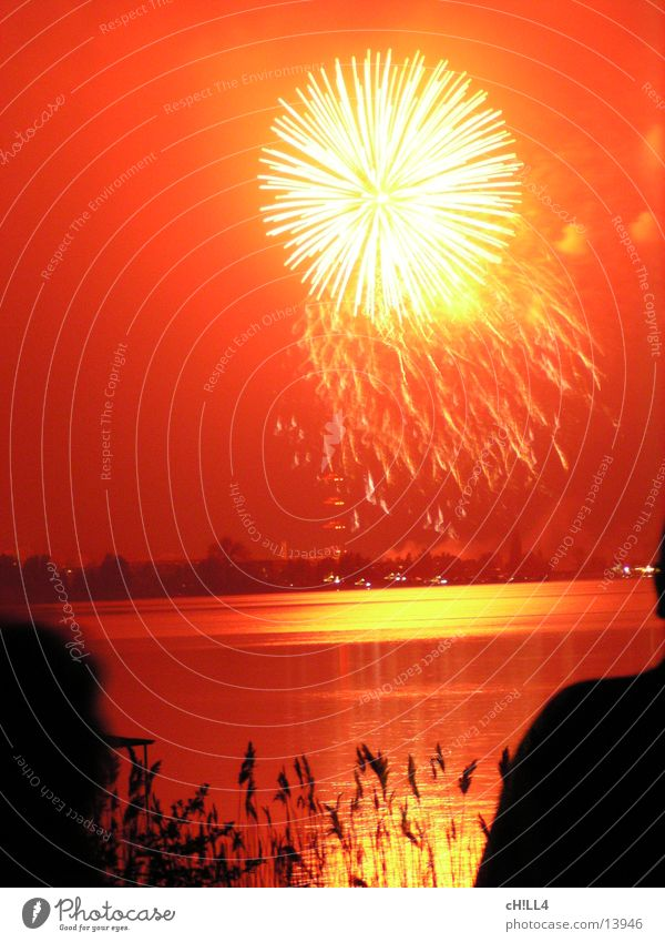 Red Moody Feasts & Celebrations River Leisure and hobbies Sphere Firecracker Common Reed Explosion Havel Werder Havel