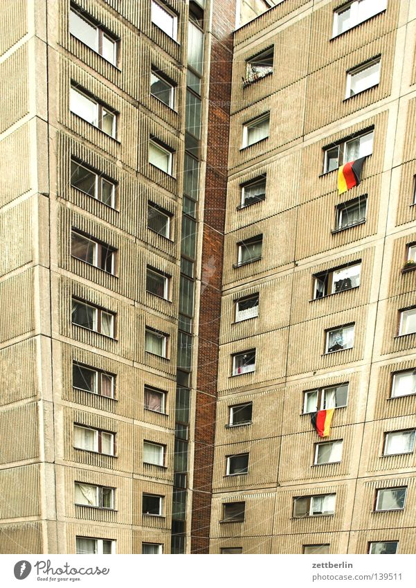 Red Black House (Residential Structure) Berlin Gold High-rise Grief Flag Balcony Distress Town house (City: Block of flats) Loggia Nationalities and ethnicity