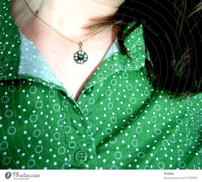 Green, green, green are all my clothes ... Blouse Top Circle White Point Spotted Hair and hairstyles Open Brown Neck Necklace Flower Chain Silver Stone