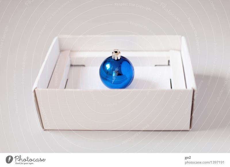 Blue Christmas & Advent White Design Esthetic Gift Simple Surprise Anticipation Packaging Cardboard Glitter Ball Packaging material