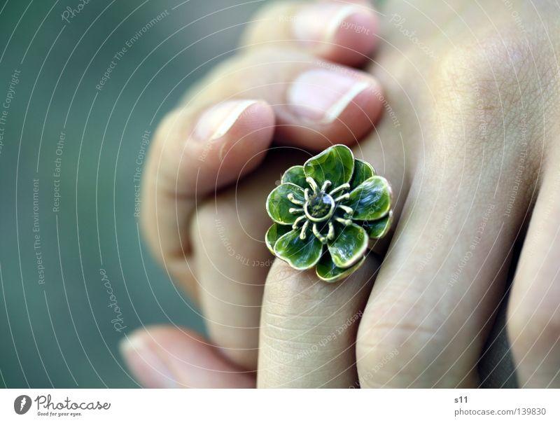 RingThing Jewellery Flower Beautiful Hand Fingers Fingernail Green Gift Luxury finger jewellery flower ring Noble Elegant Skin Wrinkles To hold on Sarah Kasper