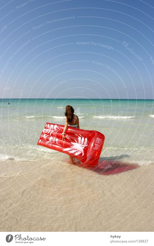 vacation Air mattress Beach Red Relaxation Coast Sandy beach Vacation & Travel Waves Horizon Palm tree Ocean Summer Water Far-off places Mediterranean sea