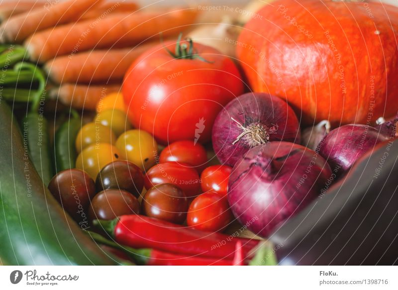 Colourful shopping Food Vegetable Nutrition Organic produce Vegetarian diet Diet Italian Food Fresh Healthy Good Delicious Yellow Green Orange Red Tomato Onion