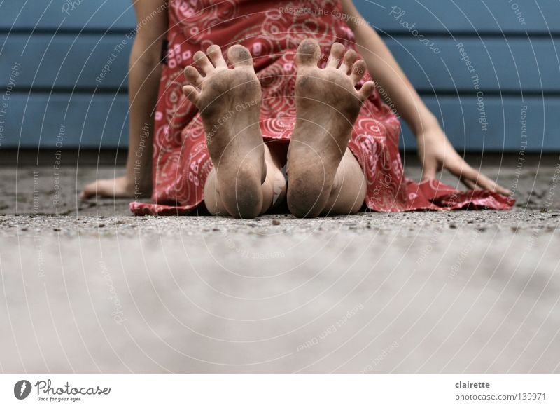 Summer feet Colour photo Exterior shot Day Child Human being Girl Feet 3 - 8 years Infancy 8 - 13 years Dress Sit Dirty Blue Red Toes Splay Children's foot muff