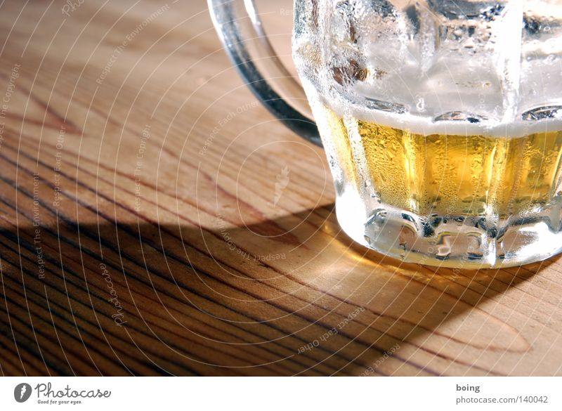 Joy Cold Gold Glass Table Drops of water Gold Rope Drinking Gastronomy Beer Economy Alcoholic drinks Thirst Smart Foam