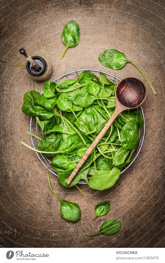 Fresh spinach leaves and cooking spoons Food Vegetable Lettuce Salad Nutrition Lunch Dinner Buffet Brunch Organic produce Vegetarian diet Diet Bowl Spoon