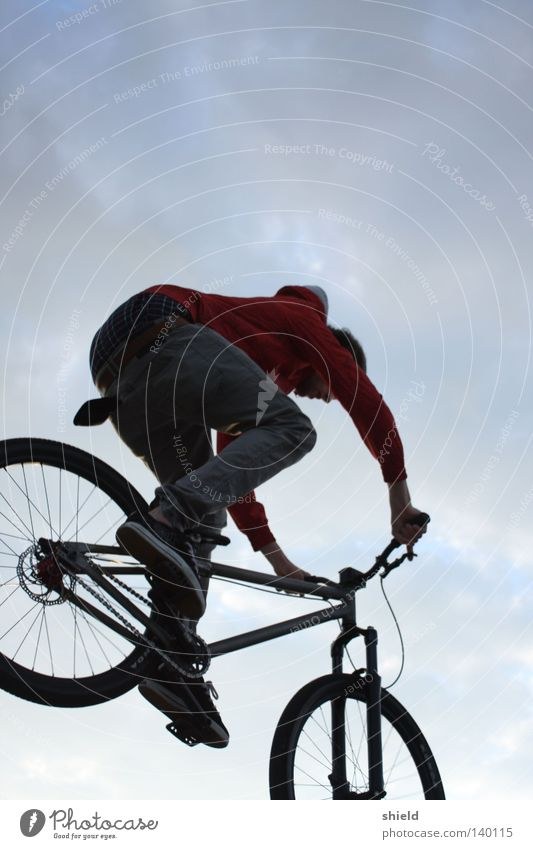 dive in. Mountain bike Sports Bicycle Playing BMX bike bunnyhop Athletic 2wheel Sky