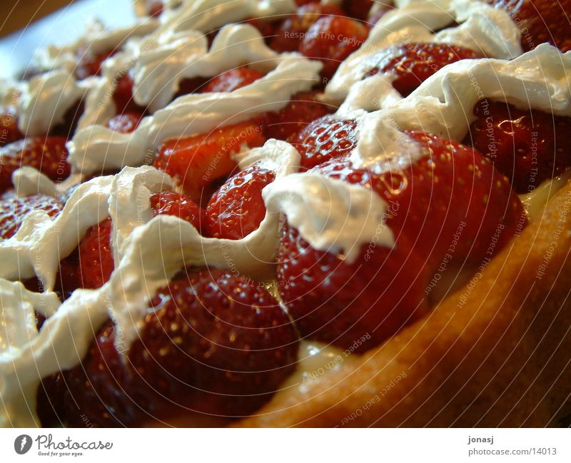 strawberry cake Cake Gateau Red Cream Sweet Nutrition Birthday cake base Joy Feasts & Celebrations Cooking