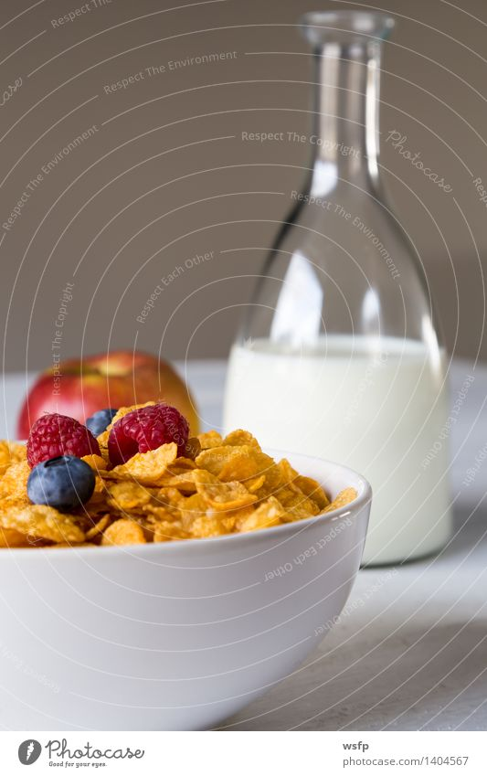 Cornflakes in a bowl Fruit Apple Breakfast Milk Bowl Wood Old breakfast cereals Flake Blueberry Cereals raspberry Strawberry Grain Eating shell