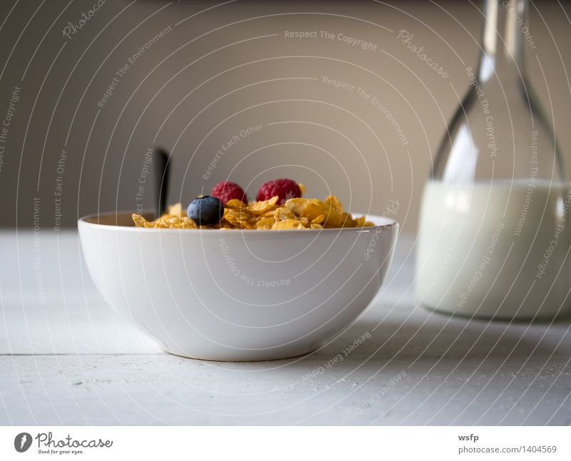 Cornflakes in a bowl Fruit Apple Breakfast Milk Bowl Wood breakfast cereals Flake Cross-section Blueberry Cereals raspberry Strawberry Grain Eating shell