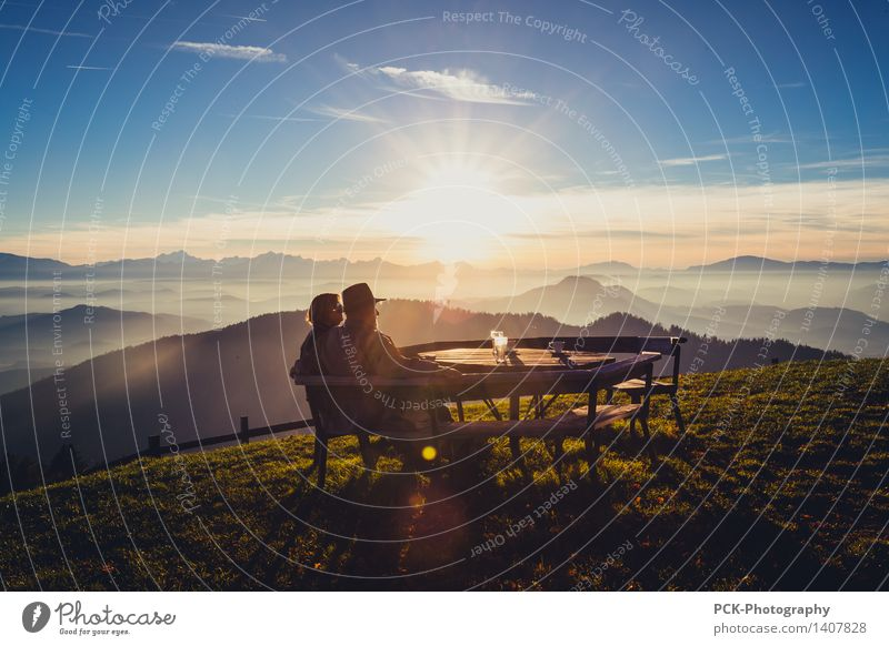 autumn outlook Grandparents Senior citizen 2 Human being 30 - 45 years Adults 45 - 60 years 60 years and older Nature Landscape Sky Horizon Sun Solar eclipse