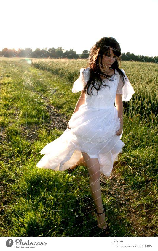 Maryam Beautiful Grief Field Green Meadow Sun Summer Wedding Joy Dress Frills White Hair and hairstyles Black Walking Speed Romance Historic Sadness Running