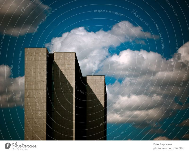 |||-3 High-rise Tower City Nord Hamburg Clouds Building Gray Sky Gloomy Badlands Artificial Monument Column Large Might Colossus Tall Upward Above Story Town