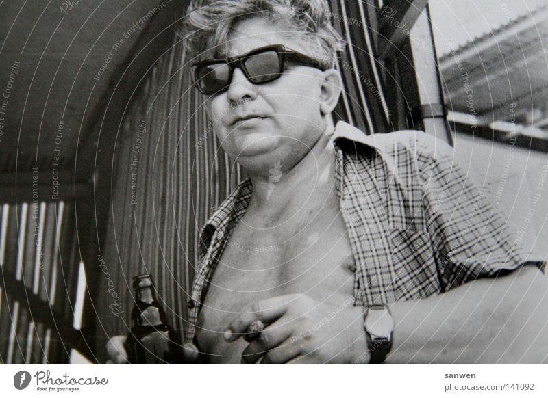 schaaatz, remember then? Man Masculine Human being Fat Eyeglasses Cool (slang) Tobacco products Smoking Cigar Drinking Alcoholic drinks Beer Shirt