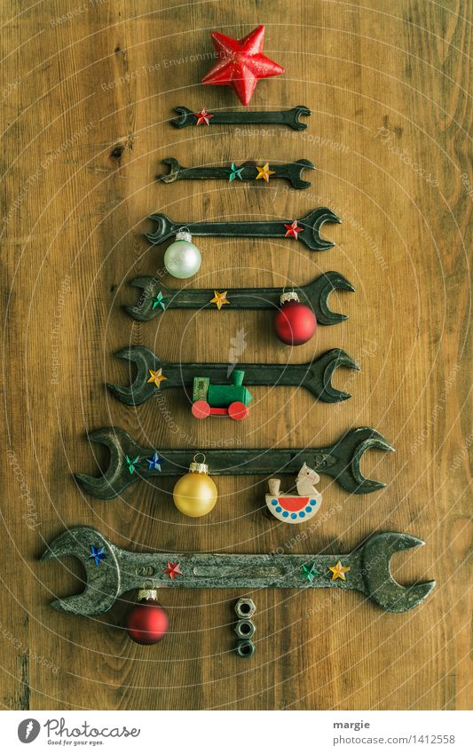 Christmas tree for craftsmen: wrenches of different sizes with Christmas decoration Leisure and hobbies Playing Handicraft Model-making Feasts & Celebrations