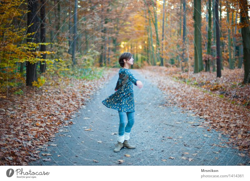 vivacious Dance Human being Feminine Child Girl Infancy Youth (Young adults) Life 1 8 - 13 years Nature Autumn Beautiful weather Rotate Autumnal Autumn leaves
