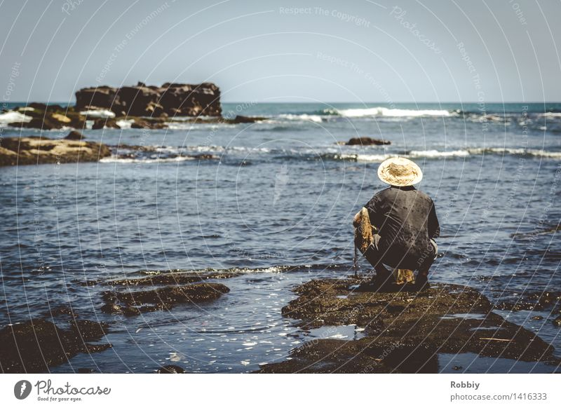 Human being Man Ocean Calm Adults Coast Work and employment Masculine Leisure and hobbies Wait Island Lakeside Fish River bank Fishing (Angle) Fishery