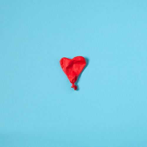 The air's out. Healthy Health care Medical treatment Care of the elderly Illness Valentine's Day Balloon Sign Heart Esthetic Simple Blue Red Love Infatuation