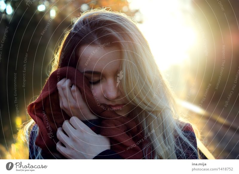 feel the autumn Human being Feminine Young woman Youth (Young adults) Woman Adults Face 1 18 - 30 years Environment Nature Sunrise Sunset Sunlight Autumn
