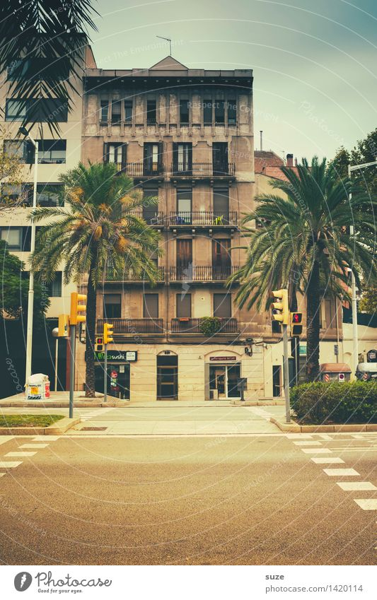 Vacation & Travel Town House (Residential Structure) Window Architecture Street Facade City life Living or residing Signs and labeling Wait Spain Capital city