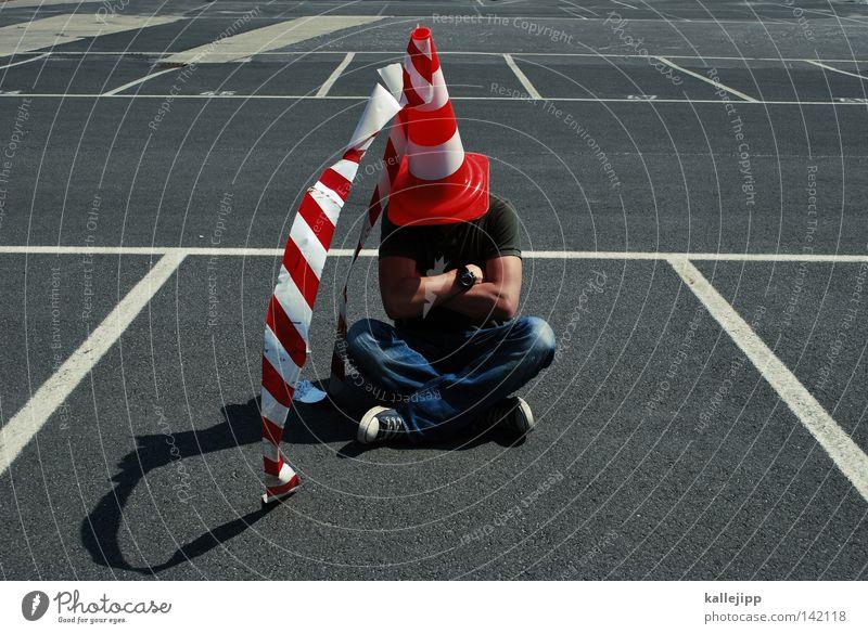 damsel of the castle Scaredy-cat Hat Mushroom cap Baseball cap Cap Parking lot Clown Sacrificial offering Sacrifice Street Barrier Man Human being Unidentified