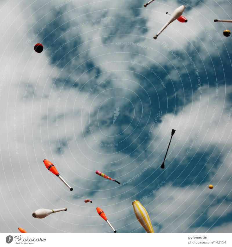 Sky Blue Summer Joy Clouds Playing Leisure and hobbies Flying Tall Circle Ball Chaos Throw Music festival Devil Circus