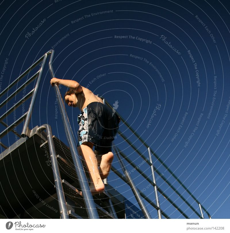 Sky Youth (Young adults) Blue White Summer Joy Relaxation Playing Movement Warmth Jump Tall Action Climbing Physics Turquoise