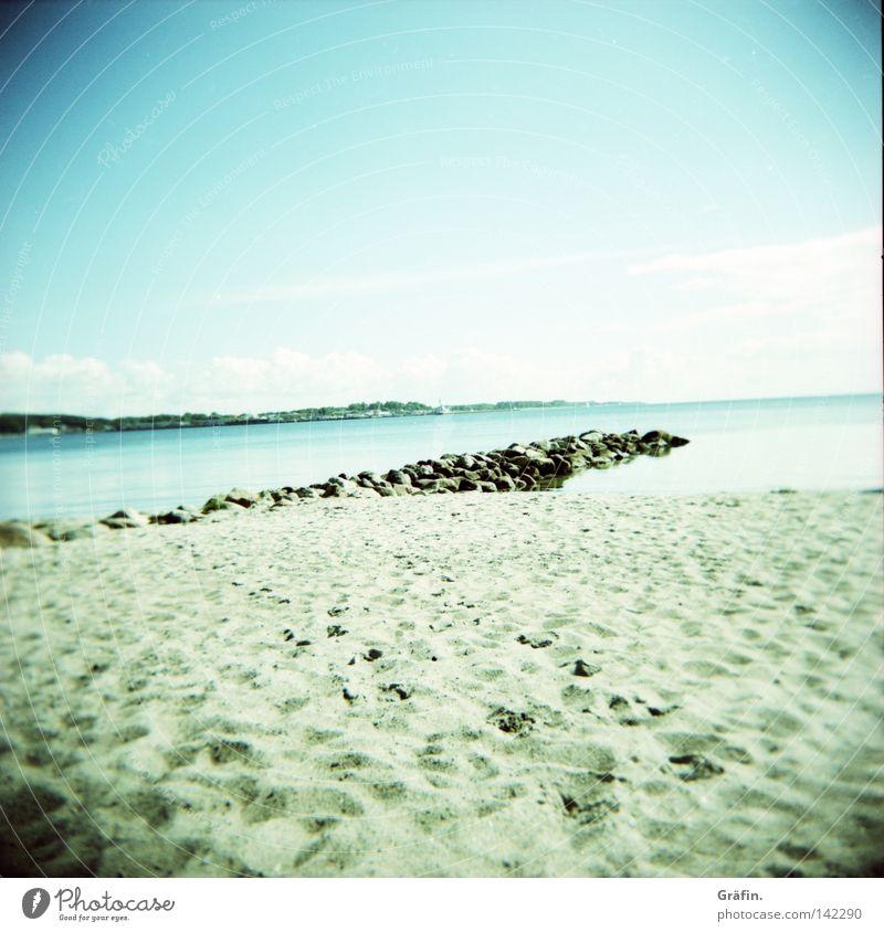 resting point Holga Medium format Roll film Beach Waves Ocean Baltic Sea Summer Sun Sand Grain of sand Leisure and hobbies Tourist Summer vacation