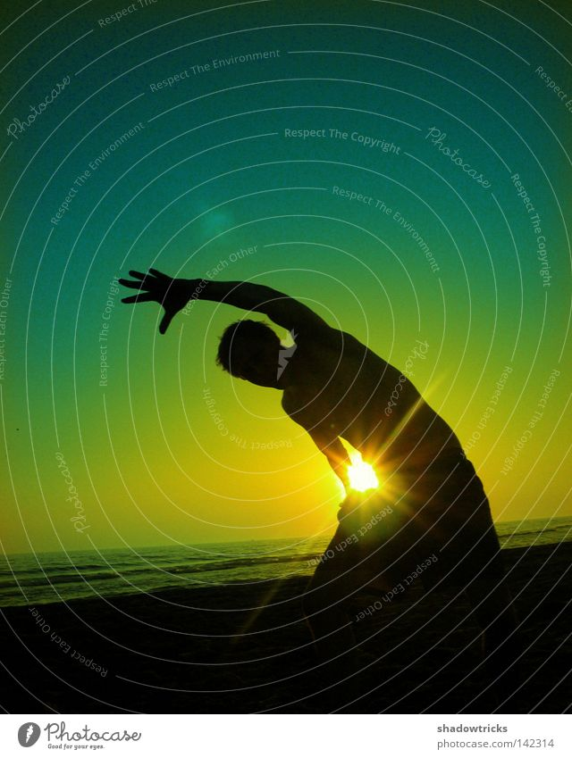 quarter circle Back-light Jump Clouds Red Green Yellow Joie de vivre (Vitality) Posture Brazil Sunset Sunrise Gymnastics Well-being Healthy Easy Beach Ocean