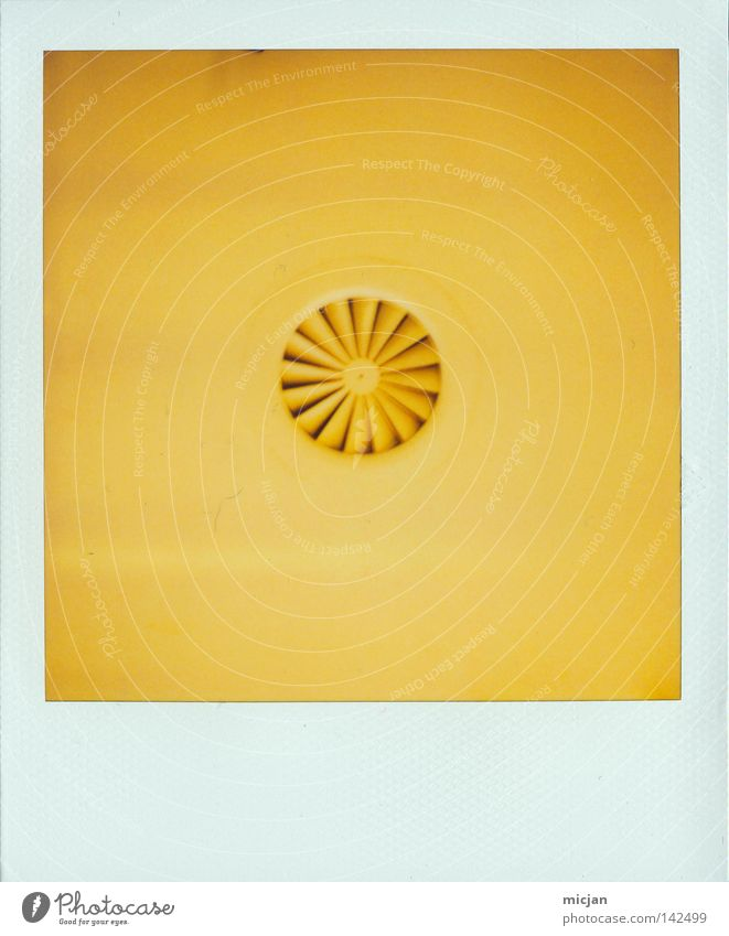 HH08.2 - The Thing Fan Ceiling Yellow Polaroid Paper Analog 600 Picture frame Photography Colour Dye Paints and varnish Patch Point Circle Disk Round Wheel Air