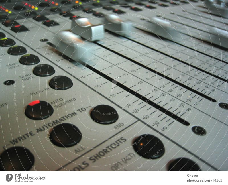 Movement Technology Mixing desk Bland Electrical equipment Sound engineer