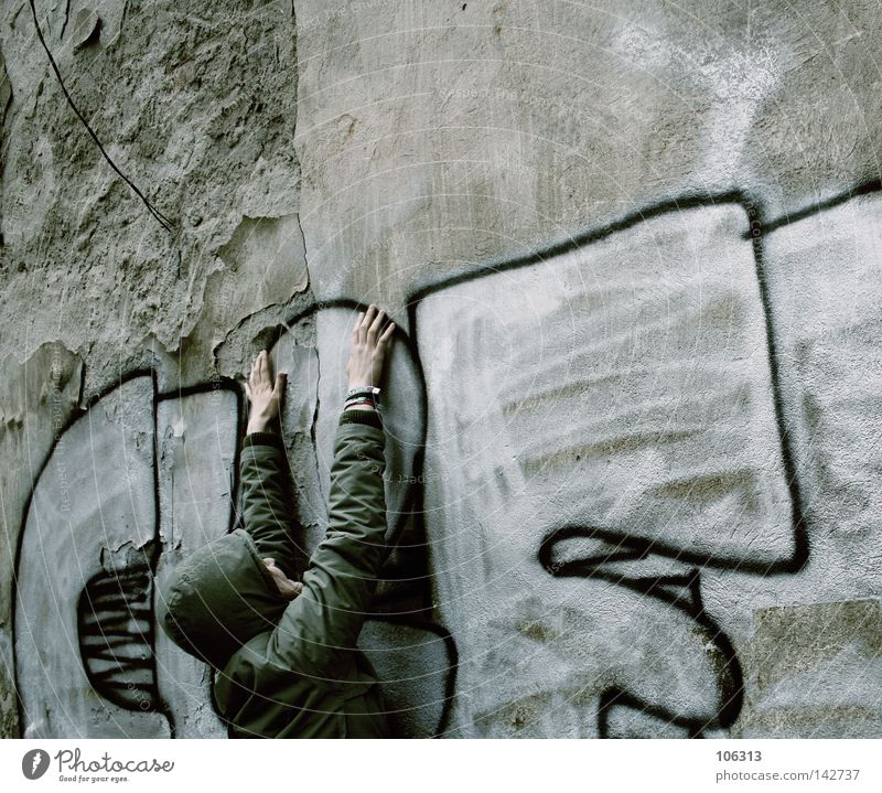 Human being Youth (Young adults) Old Hand City Relaxation Wall (building) Graffiti Work and employment Dirty Arm Letters (alphabet) Desire Target To hold on