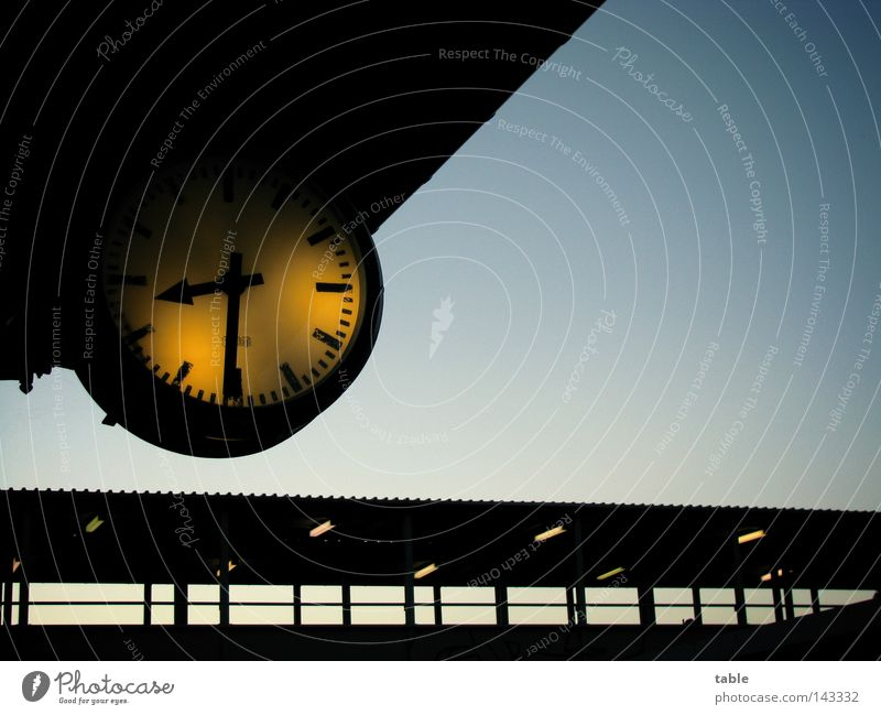 Sky Vacation & Travel Lamp Business Wait Flying Time Empty Bridge Driving Roof Clock Transience Train station Boredom Agree