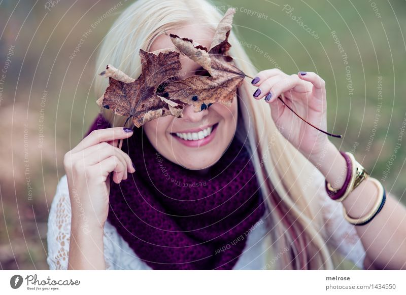 kept cloudy Feminine Young woman Youth (Young adults) Adults Head Hair and hairstyles Face Hand Fingers 1 Human being 18 - 30 years Landscape Autumn