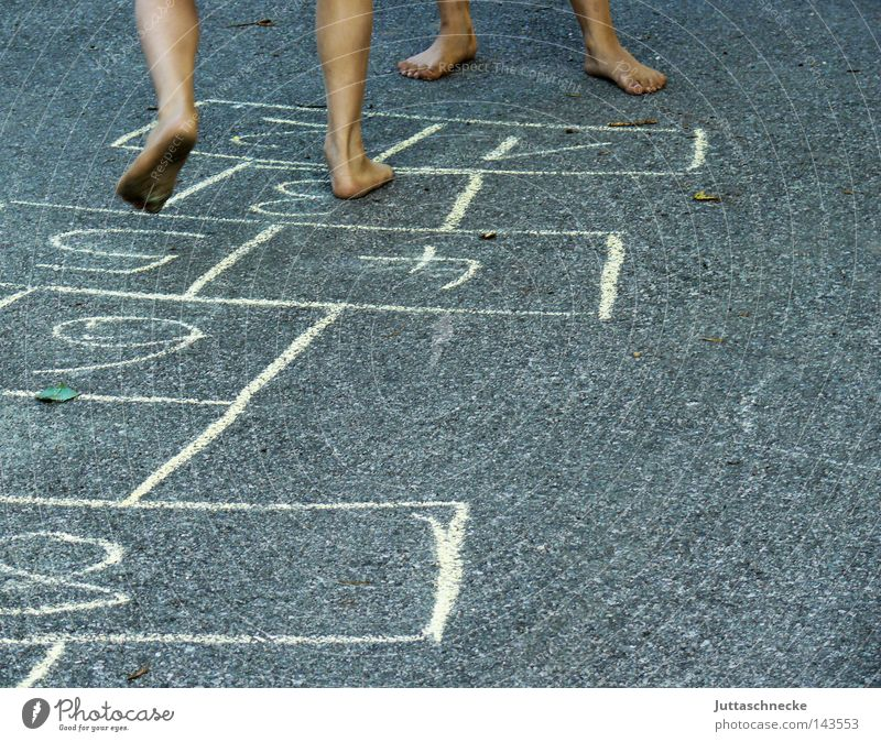Child Street Playing Legs Feet Infancy Sporting event Barefoot Competition Hop