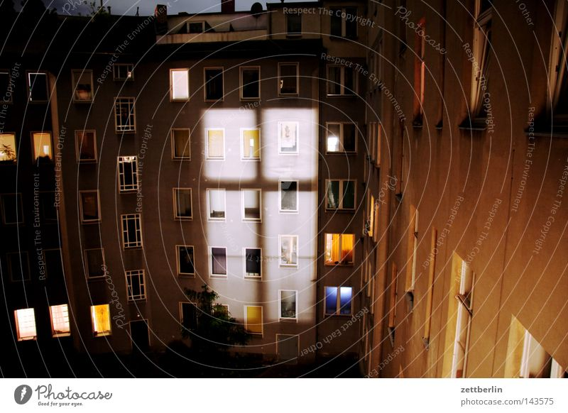 Night from the beginning Window Facade House (Residential Structure) Courtyard Backyard Town house (City: Block of flats) Window transom and mullion Night light