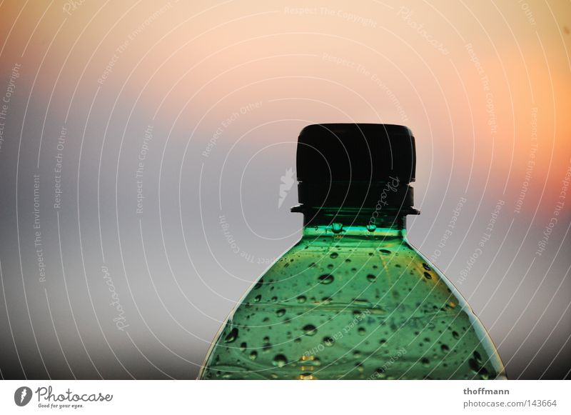 drop container Beverage Clouds Green Red Yellow PE bottle Bottle Drops of water Sky Dusk Gully Silhouette Sun Shadow Statue