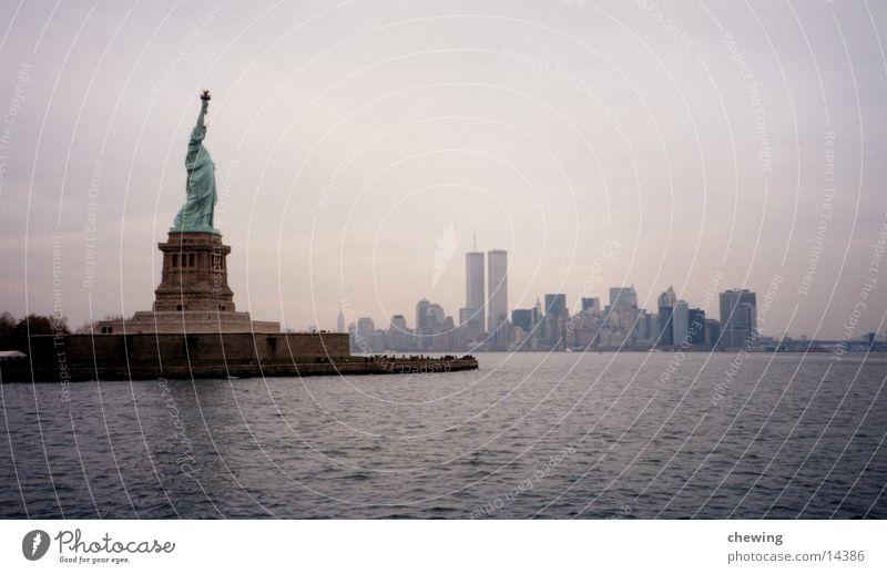 City USA Skyline Manhattan Quarter New York City Statue of Liberty North America