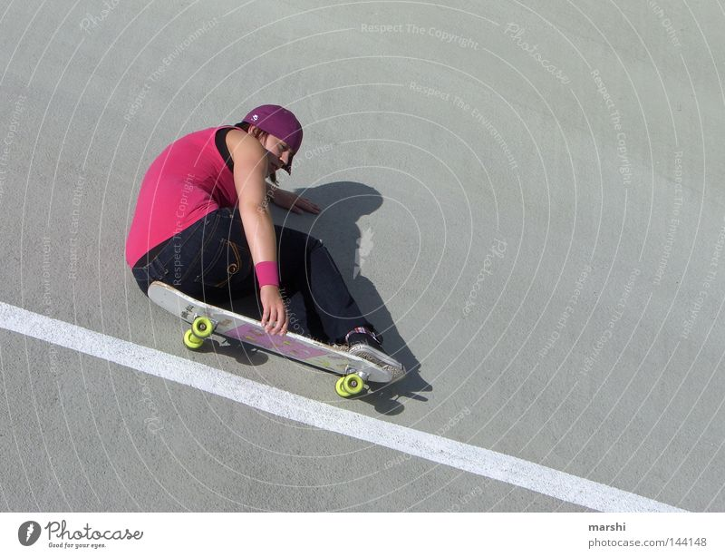 Joy Sports Emotions Style Freedom Gray Contentment Pink Concrete Speed Action Dangerous Leisure and hobbies Skateboarding Concentrate Grinning