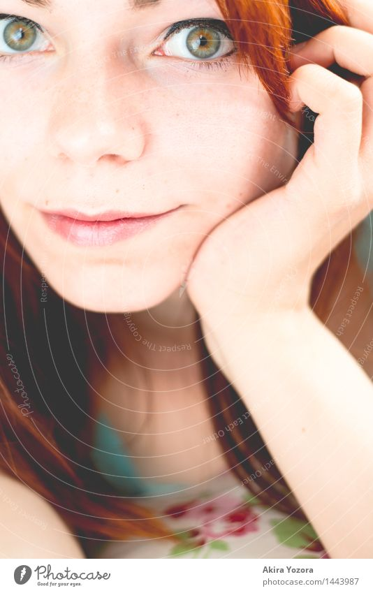 . Young woman Youth (Young adults) Face 1 Human being 18 - 30 years Adults Red-haired Long-haired Observe Touch Lie Looking Brown Green Orange Pink Black
