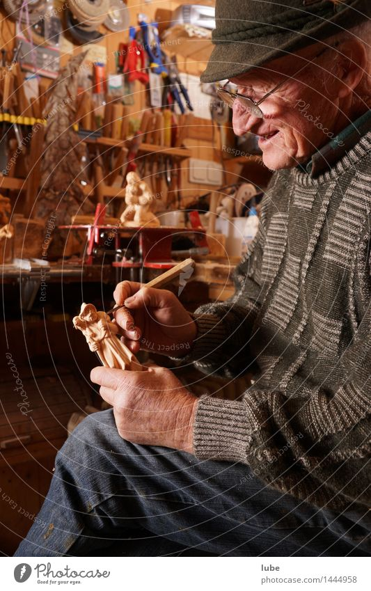Human being Man Christmas & Advent Senior citizen Wood Art Work and employment Leisure and hobbies 60 years and older Male senior Passion Artist Grandfather